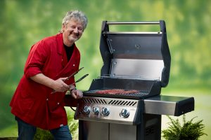 Gasgrill mit Fleisch für BBQ